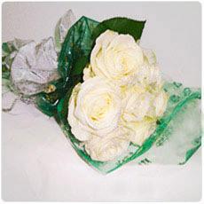 Ramos de rosas brancas
